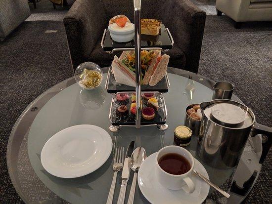 Herbert Park Hotel: Afternoon tea.