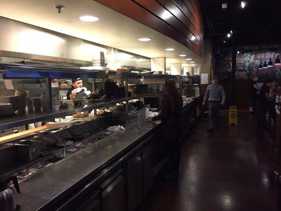 Clackamas, OR: Cozinha/linha de servir