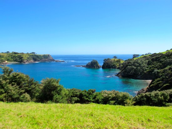 Paihia, Nueva Zelanda: Many of these bays are only accessible by boat