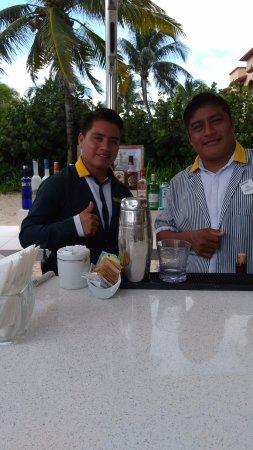 Iberostar Tucan Hotel: Amigos de la barra de Star Prestige !!!