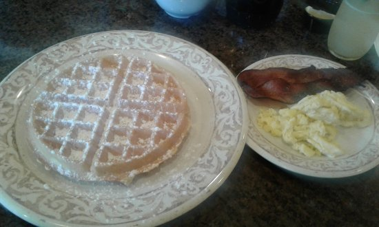 Addison, TX: Belgian Waffles & Bacon