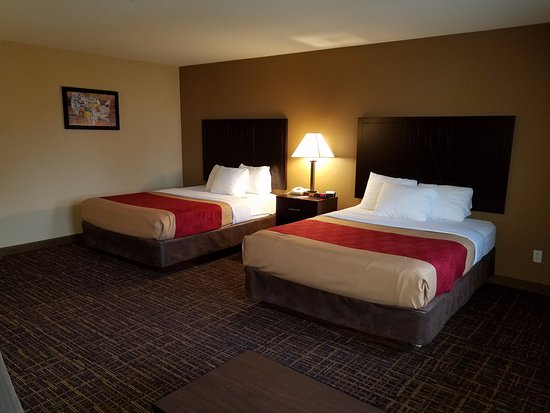 Cle Elum, WA: DELUXE TWO QUEENS BEDROOM WITH SOFABED