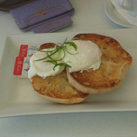 Nelson Bay, Australia: poached eggs