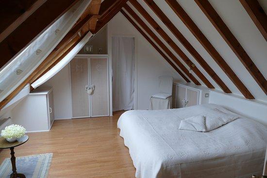 Le Cloître-Saint-Thégonnec, France: chambre prairie