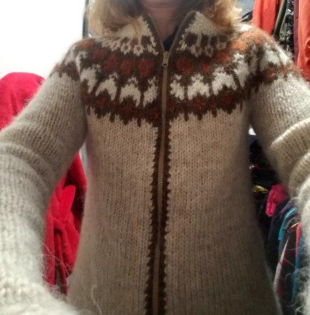 Litla Lopasjoppan: Handmade Icleandic wool sweater.