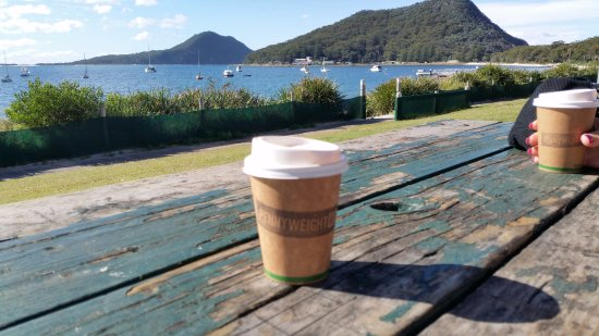 Shoal Bay, Australia: great views even if the coffee is disappointing