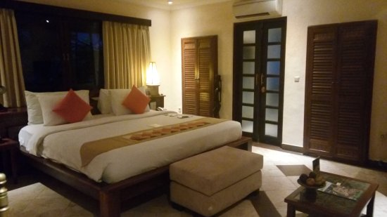 Hotel Vila Lumbung: Villa lumbung Deluxe room & facilities