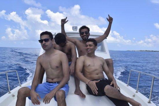Kaafu Atoll: Speed boat ride