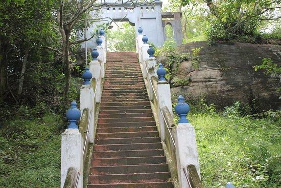 Tangalle, Sri Lanka: More steps