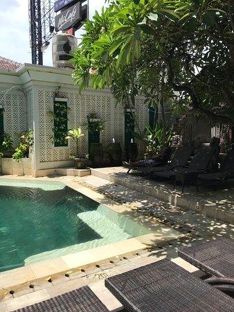Maharani Beach Hotel: photo1.jpg