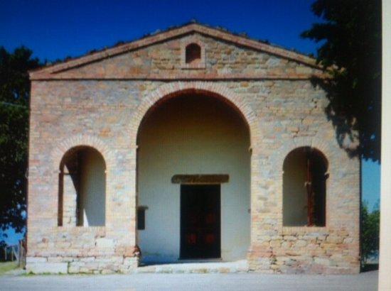 Arsita, Italie : Facciata principale con porticato .