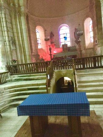Eglise Notre Dame de l'Assomption : Une église-Château