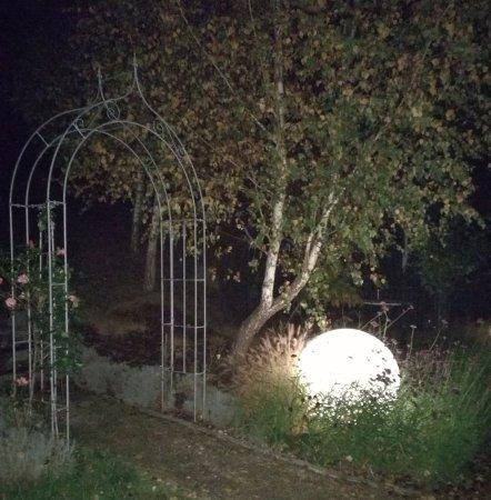 Neuhofen an der Ybbs, Østrig: Gartenanlage bei Nacht