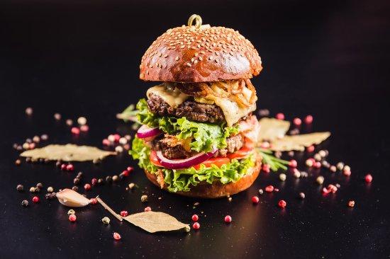 Holzfaller Burger Picture Of Landhotel Romerkessel Landsberg Am