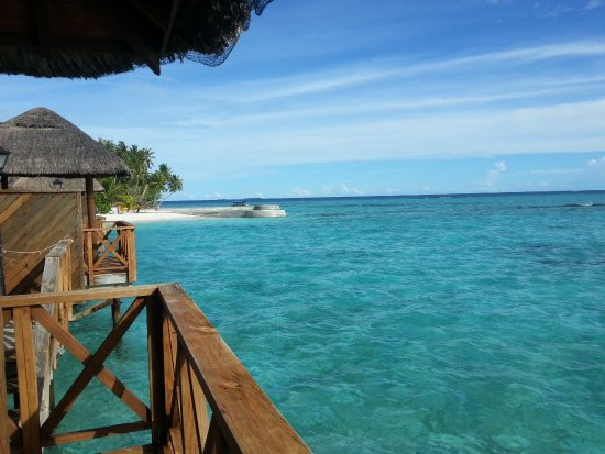 Fihalhohi Island Resort : Wasserbungalow Terrasse