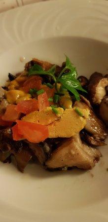 Guyancourt, Francia: Champignons au foie gras