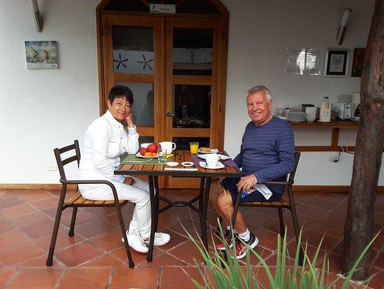Hotel Galapagos Suites: Déjeuner sur la terrase