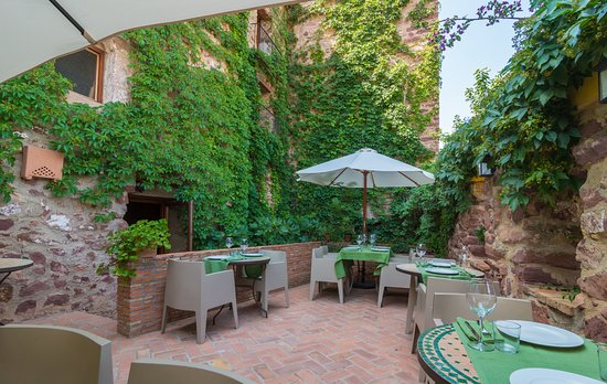 Hotel el jardin vertical vilafames spanien hotel for Jardin vertical castellon