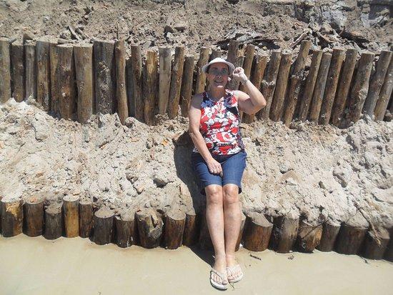 Canasvieiras, SC: O mar fez sua parte e voltou ao seu lugar de origem, praia assim com aquela extensão de areia nã