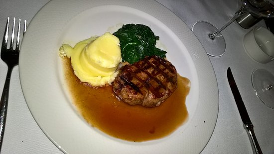 """Sunset Grill & Bar: Beef Tenderloin """"Sunset"""" with mashed potatoes and Asian red wine sauce"""