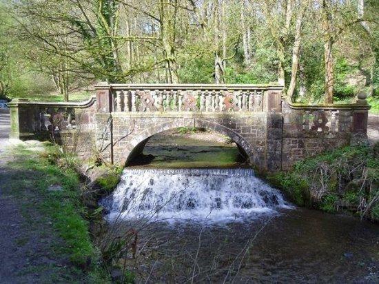 Darwen, UK: Entrance bridge
