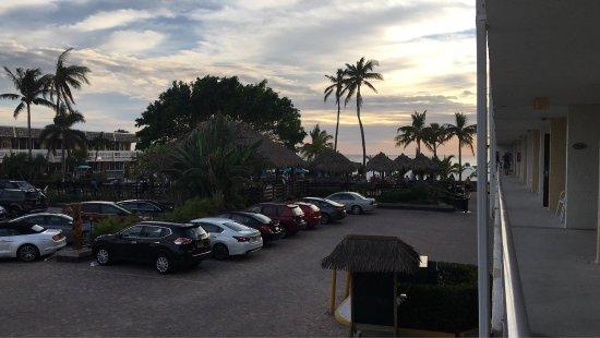Outrigger Beach Resort: photo7.jpg