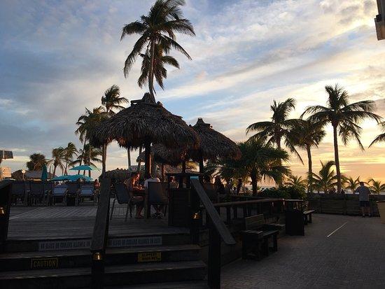 Outrigger Beach Resort: photo8.jpg