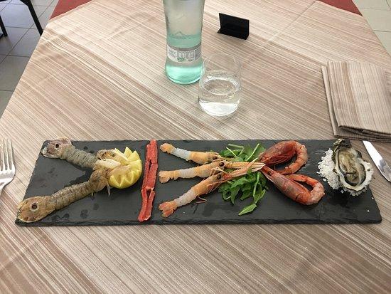 Signa, Italia: Ristorante di carne e pesce di categoria alta. Pizze napoletane veraci con un impasto e degli in