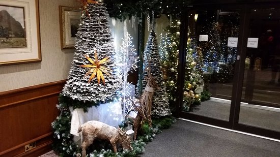 Borrowdale, UK: Christmas decs going up