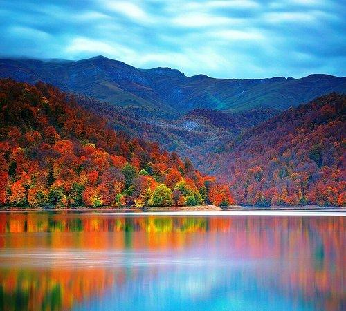 Lake Goygol: image_large.jpg