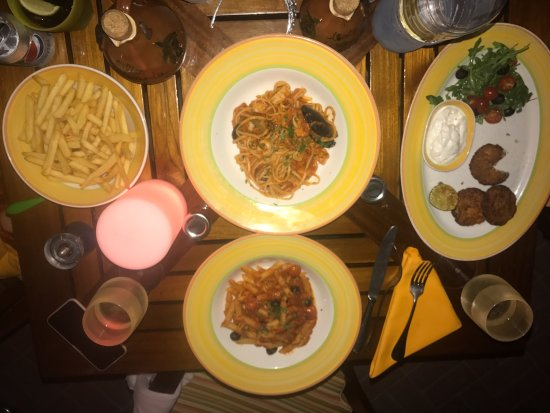 La Veranda: Dinner for the family