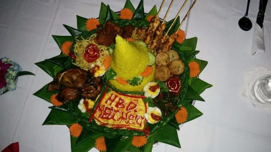 Anturan, Indonesia: birthday dinner