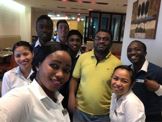 โรงแรมอาราเบียนปาร์ค: Ebuka, Geraldine, Alex, Mabinty,Sabita. A nice and friendly and helpful ones