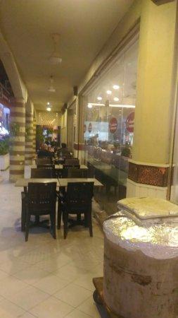 Sri Kembangan, Malaysia: Alhamra Restaurant