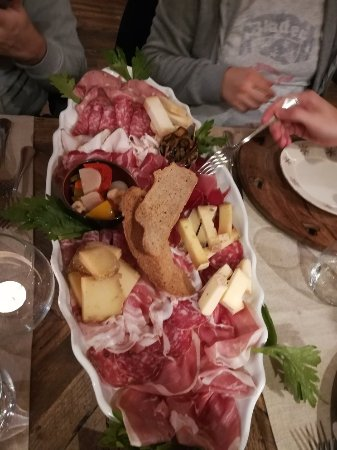 Ayas, Italië: IMG_20171117_220251_large.jpg