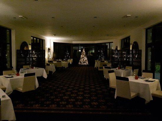 Bron Eifion Country House Hotel: 20171112_210826_large.jpg