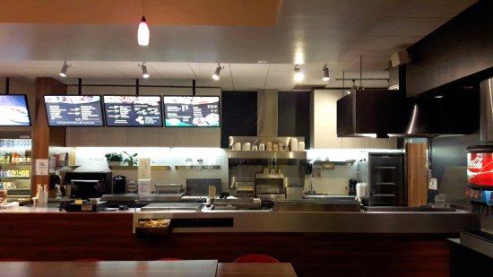 ED's Sub Dieppe Open Kitchen