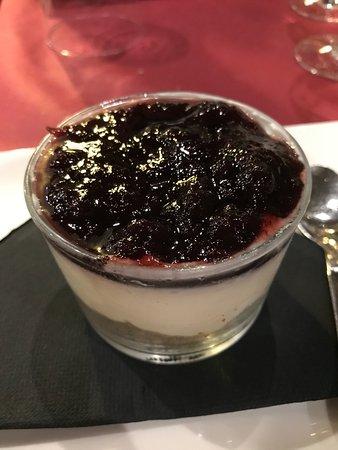 Puigcerda, Hiszpania: Cheesecake con mermelada de arandanos