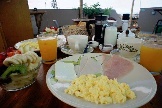 Olon, Ecuador: Full Continental Breakfast $4.99