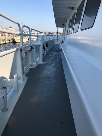 Queen Mary Party Fishing Boat & Charters: Lots of room
