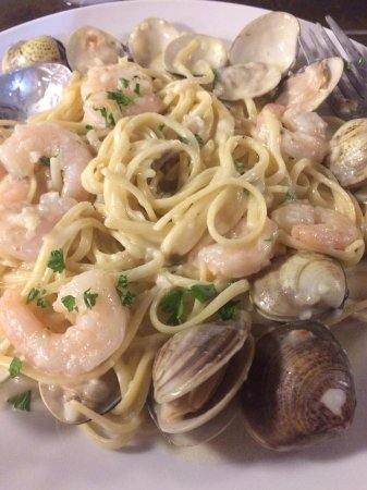 Liberty Hill, TX: Seafood Linguine on the dinner menu