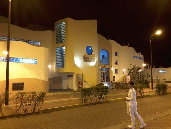 Hotel Solymar: Entrée de l'hôtel restaurant