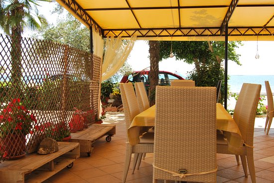 Makrygialos, Grecja: Our Sea View Restaurant