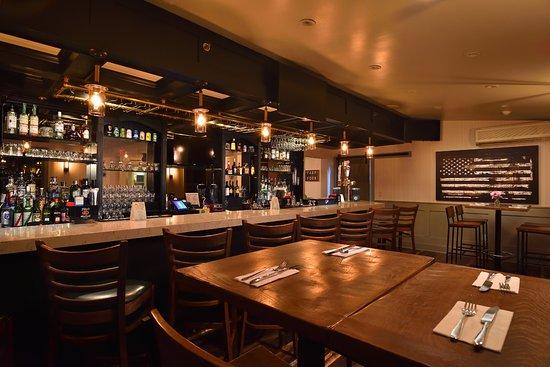 South Jamesport, Estado de Nueva York: Bistro bar area
