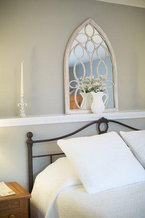 Morris, CT: Vincenza's Room