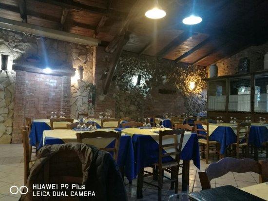 Carsoli, Italia: IMG_20171119_144845_large.jpg