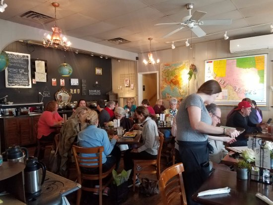 Boerne, TX: The tiny dining room turns quickly with lots of satisfied customers.