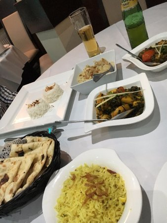 Raipur Indian Cuisine: Great naan bread, lemon rice, Sag Aloo and Lamb Rogan