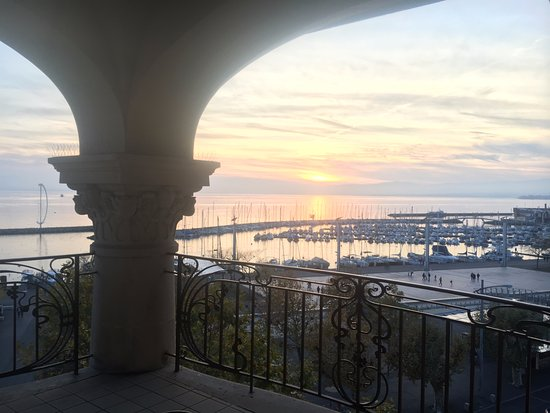 Hotel Aulac: Vue depuis la terrasse