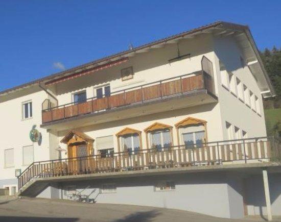 Porrentruy, Switzerland: Epauvillers - Restaurant de la Poste